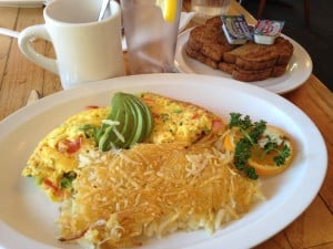 The Garden Patch Omelette ($8.95) made with broccoli and served with hash browns. Photo by Yulin Lui/Guardian