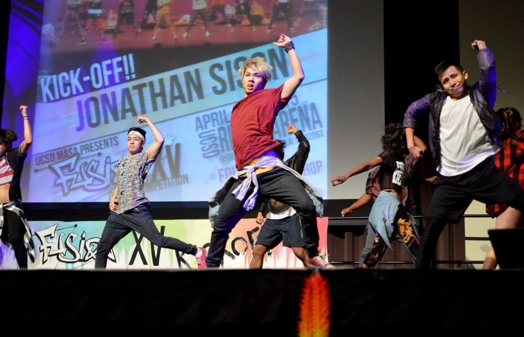 Six dance teams from the UCSD community performed at the Fusion XV Hip-Hop Dance Competition opener hosted by the  Multi-Asian Student Association in Price Center's West Ballroom last Sunday. Photo by Jesus Pacheco / UCSD Guardian.