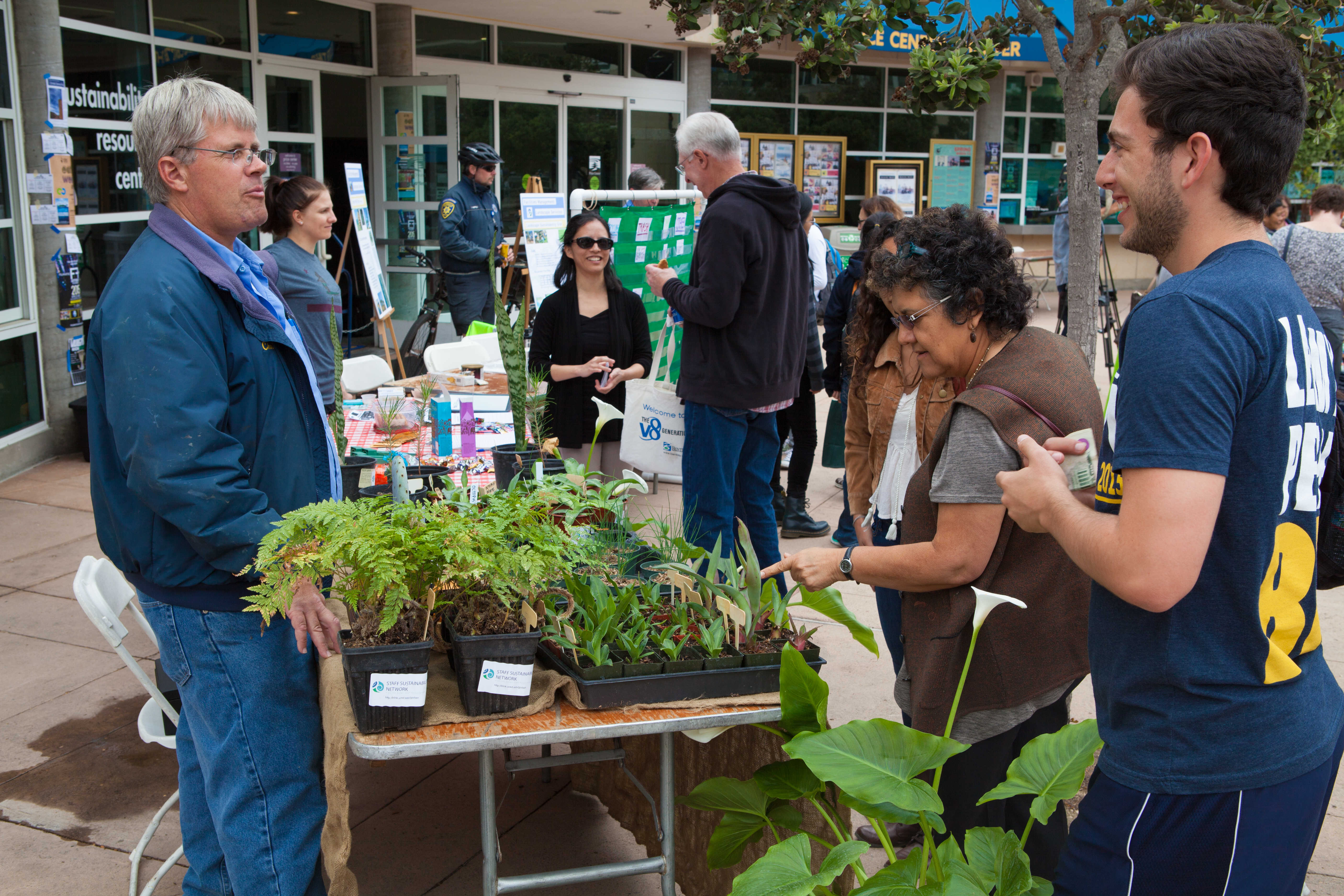 Housing, Dining and Hospitality tabled at the Earth Day Fair to show students how to be be more environmentally conscious.  Photo by Mark Tang/ UCSD Guardian.
